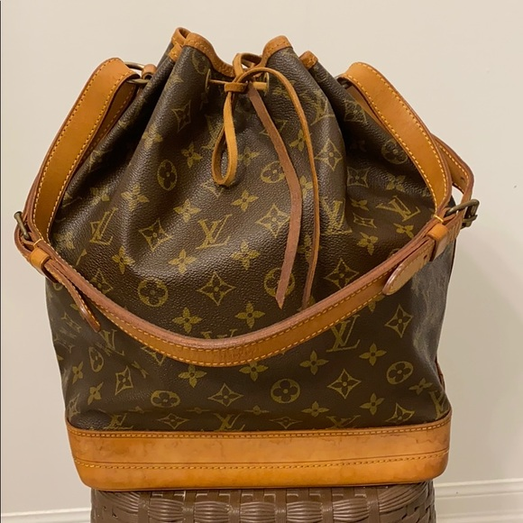 🌟price is firm🌟 Louis Vuitton Bucket GM